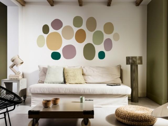 Des touches de peintures donnent du pep au salon