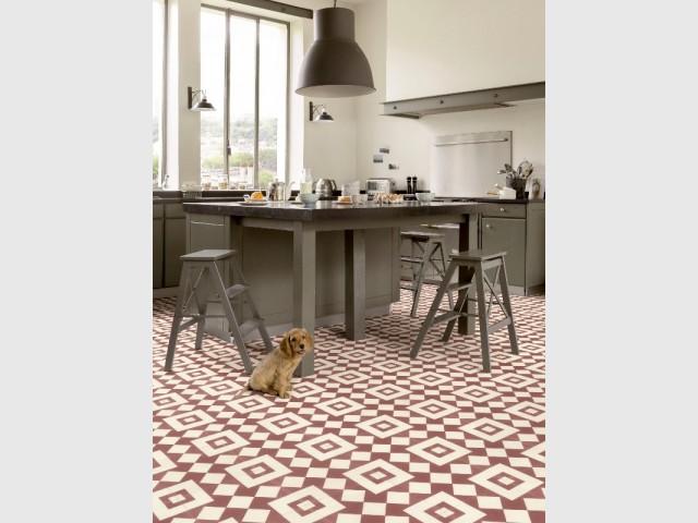 Le sol souple, une solution pas chère et facile à poser pour décorer la cuisine