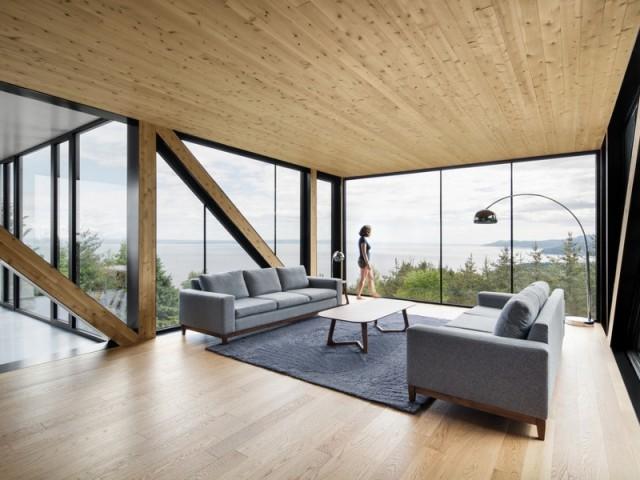 Un intérieur enveloppé de bois pour rappeler la nature environnante