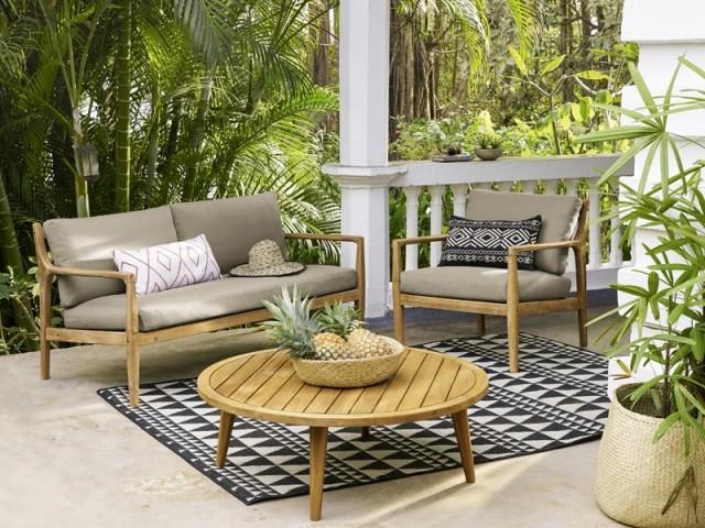 Installer un tapis d'extérieur sur sa terrasse