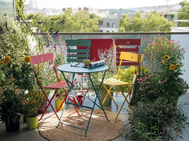 Oser le mobilier de jardin coloré