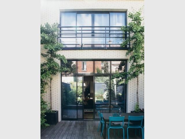 Une façade très vitrée côté jardin