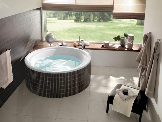Une baignoire ronde façon spa
