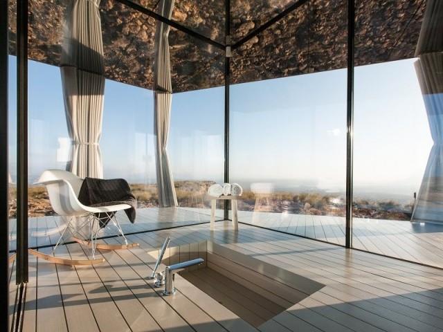 Une salle de bains panoramique avec vue sur le désert - Casa del Desierto