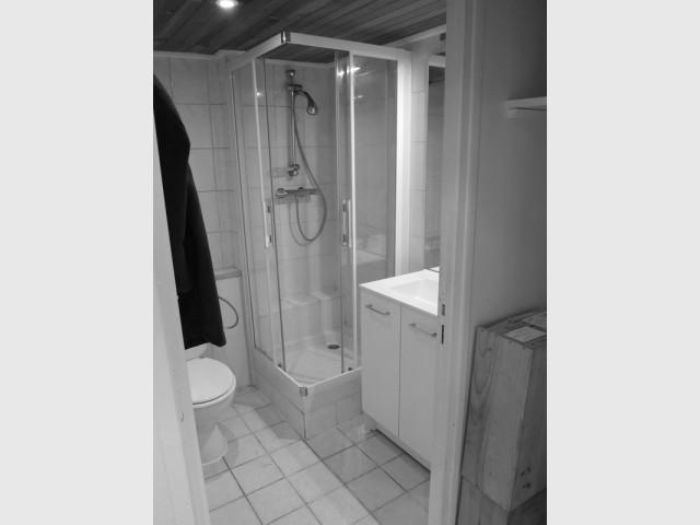 Avant : une salle de bains à réagencer