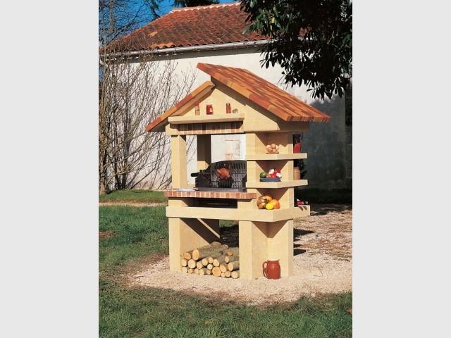 Un barbecue construit pour une cuisine d'été