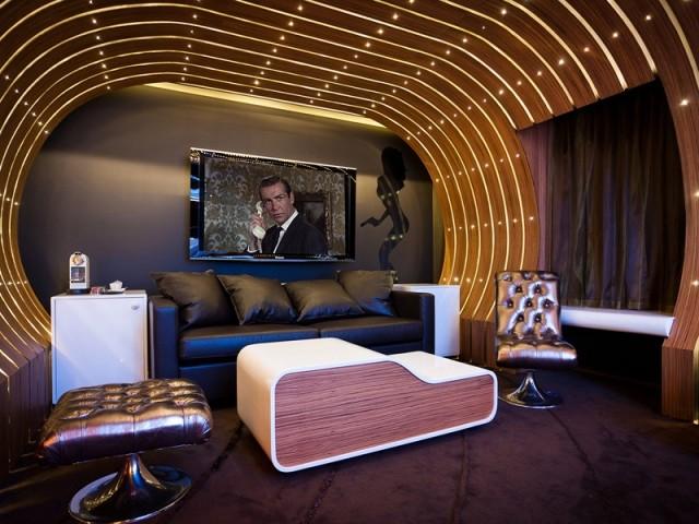 Glissez-vous dans le pyjama de James Bond le temps d'une nuit au Seven Hotel