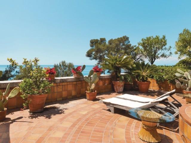 Une terrasse en carrelage ambiance hacienda