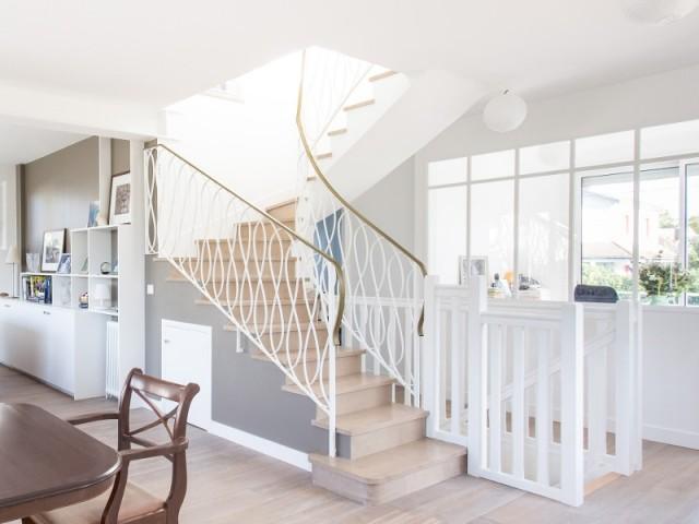 Décloisonnée, la maison est plus lumineuse et plus adaptée