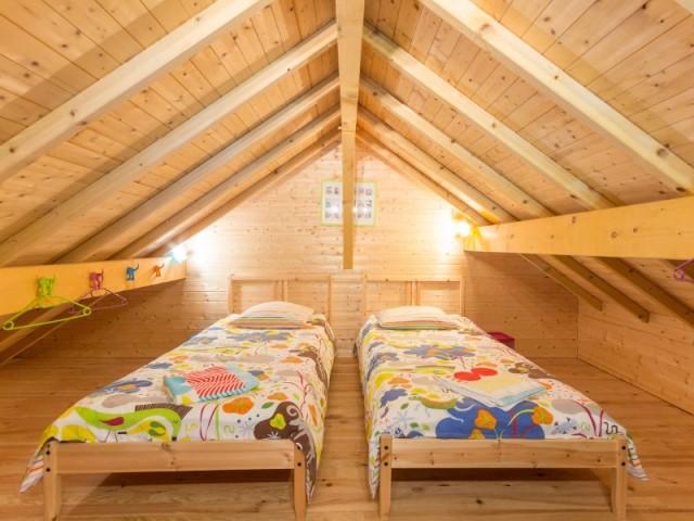 La chambre-grotte des enfants chambre d'hôtes Sous le Cerisier