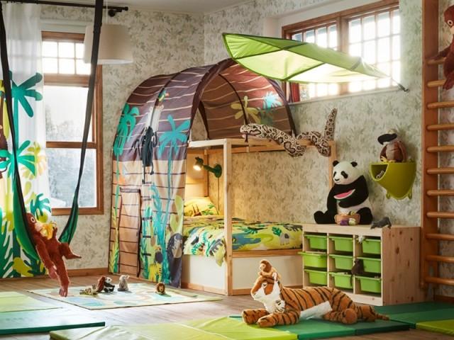 Lit réversible Kura, et tente avec rideau, Kura, Ikea, prix : 149 € et 30 €
