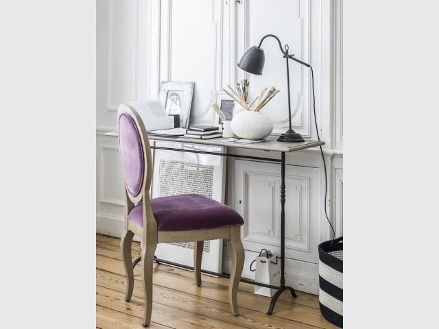 Chaise médaillon Hortense, à partir de 505 €