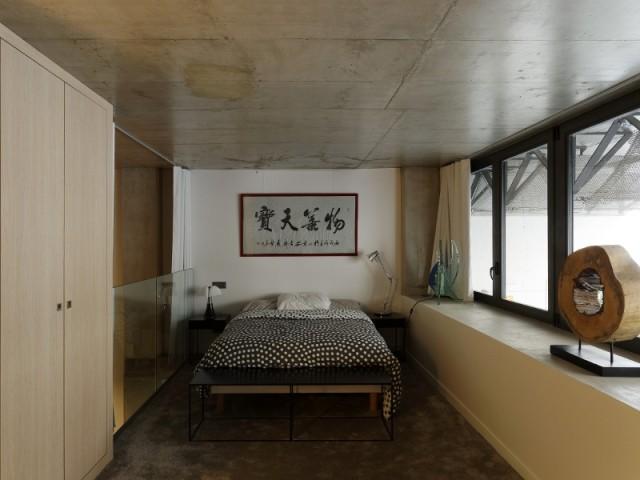 La chambre, en haut du duplex indépendant