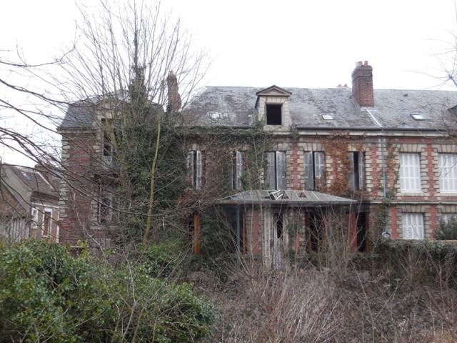 Avant : une maison qui tombe en ruines