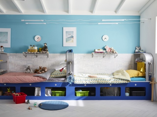 Des lits en enfilade pour une chambre façon cabine de marin