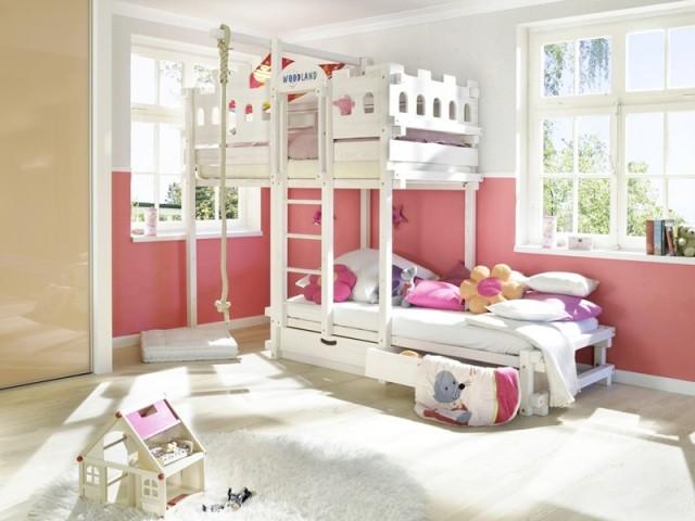 Une chambre 2 enfants 18 id es pour partager l 39 espace - Lits superposes originaux ...