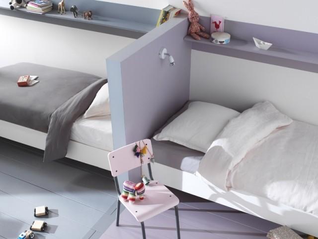 Une tête de lit en guise de séparation