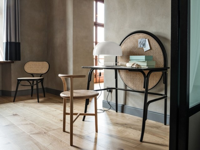 Chaise Bodystuhl, 870 €, bureau Allegory, 2.856 €, en vente chez Made in Design