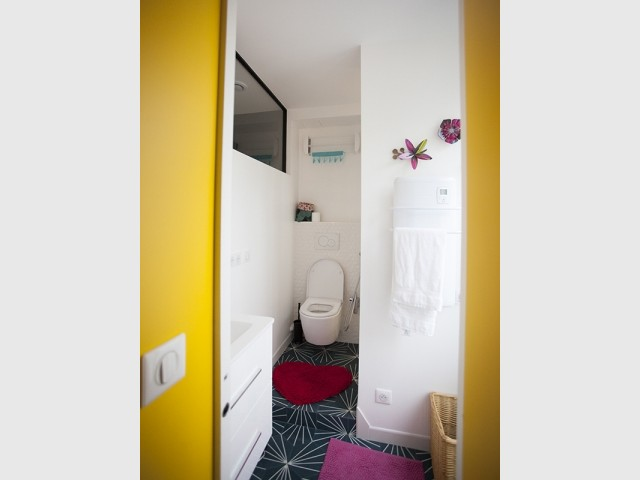 Une salle de bains optimisée et gorgée de lumière