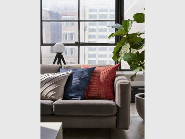 Coussins en velours, H&M Home, prix : à partir de 7,99 €