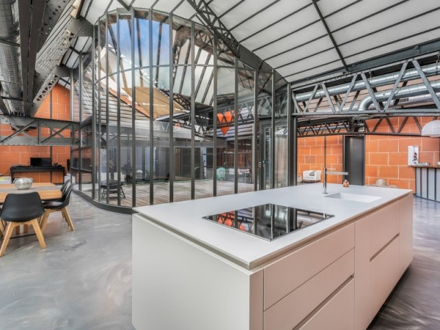 Un local commercial transformé en loft, à Lyon