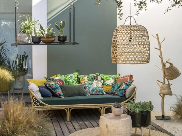 Des coussins imprimés pour une ambiance tropicale