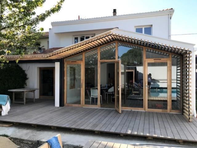La nouvelle façade vitrée efface la frontière entre intérieur et extérieur