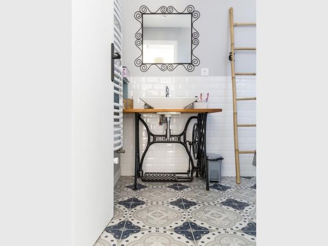 Après : une salle de bains transformée avec style