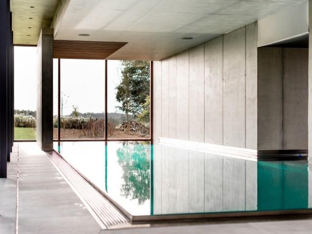 Modèle piscine inox Mourcourt encastrée avec option nage à contre-courant