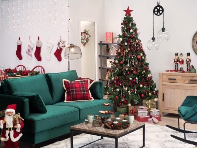 Un sapin rouge et vert pour un Noël traditionnel