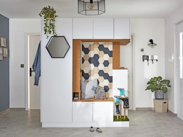 Une entrée fonctionnelle et originale avec un meuble sur-mesure