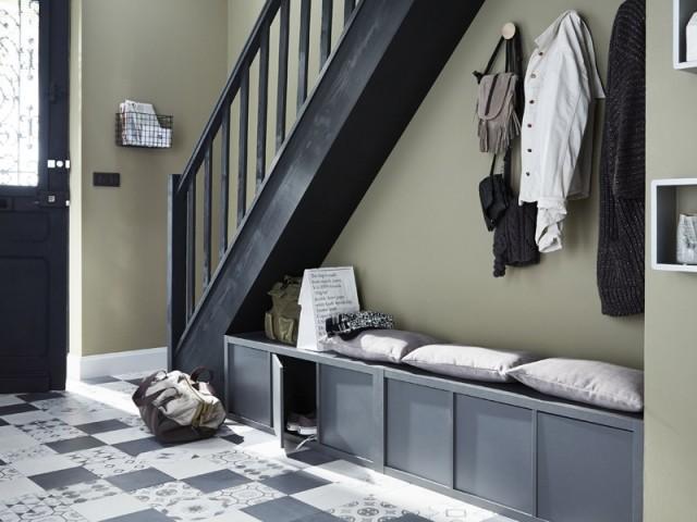 Un dessous d'escalier optimisé pour une entrée fonctionnelle