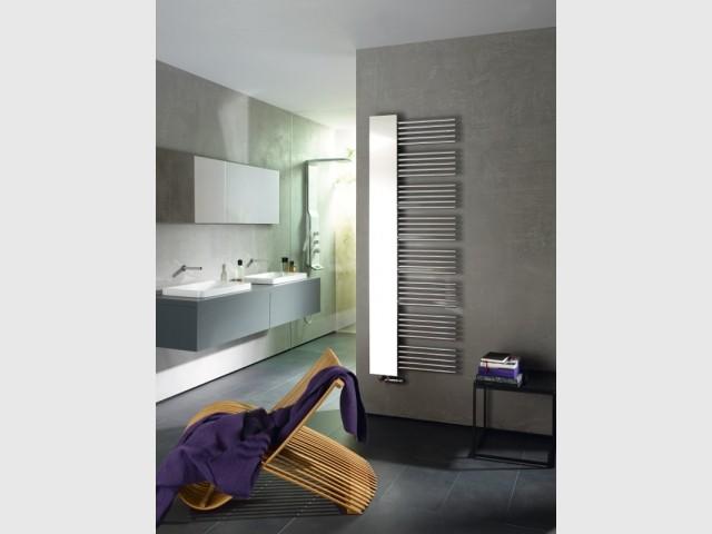 Le sèche-serviette Yucca Mirror et sa partie miroir