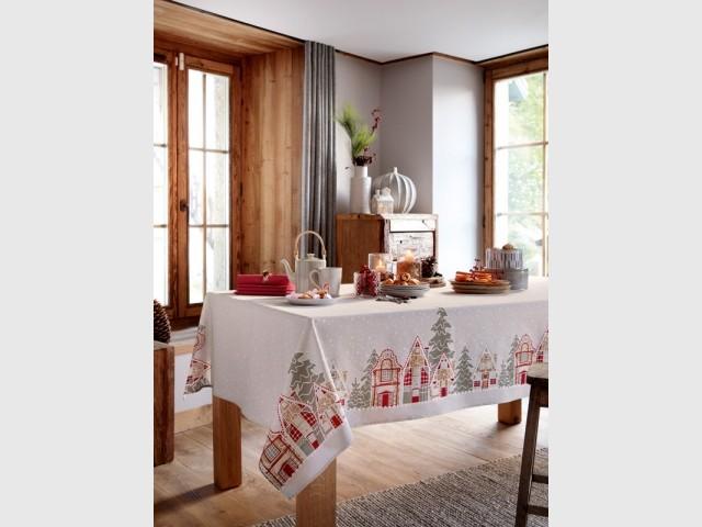 Habiller sa table d'une nappe de Noël