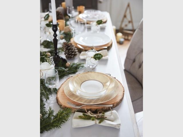 Bois et sapin pour une table de fêtes 100% nature