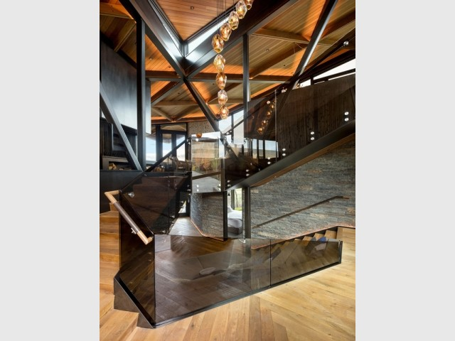 Un escalier au style travaillé