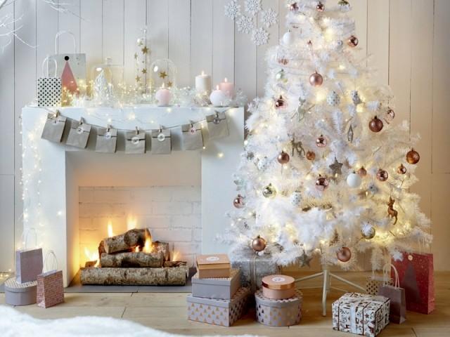 Noël au coin du feu dans un cocon tout blanc