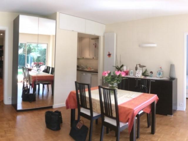 Avant : une pièce à vivre très lumineuse