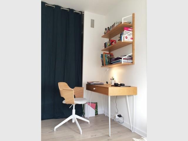Un coin bureau et un dressing à partager