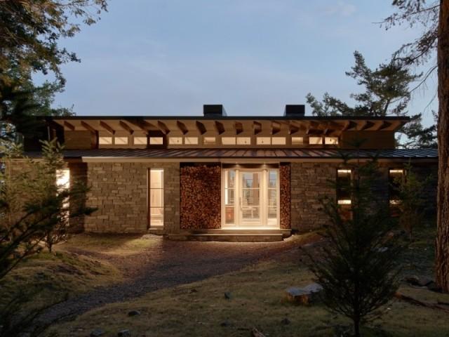 La lumière circule parfaitement dans la maison Hillside sanctuary