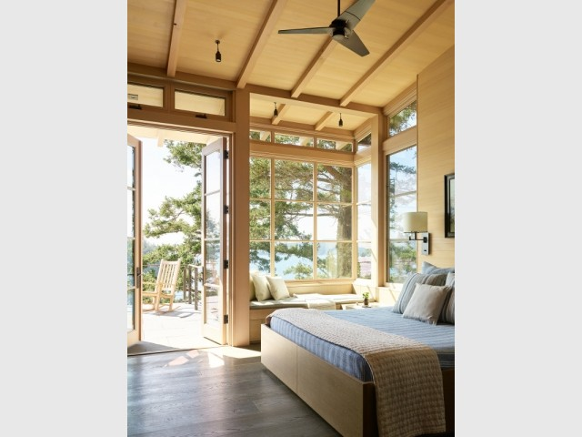 La chambre aussi bénéficie d'une terrasse avec vue
