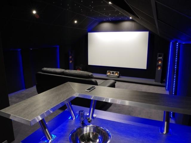 Transformer Des Combles En Salle De Cine Privee