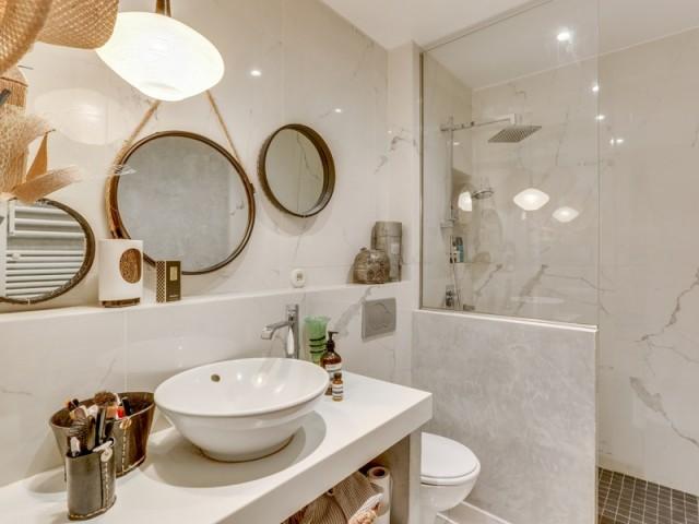 Rénover sa salle de bains : 10 avant/après pleins d\'astuces