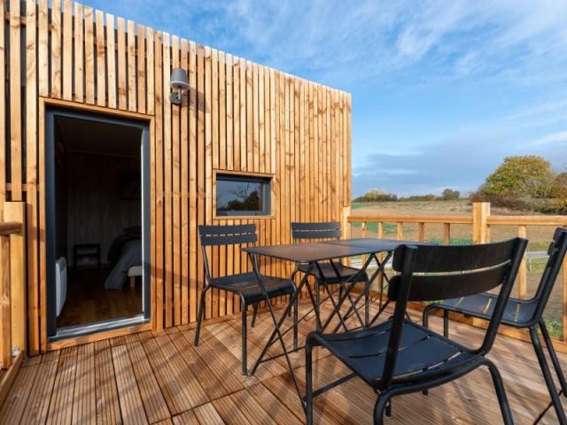 Une terrasse de 10 m2 agrémente le studio de jardin