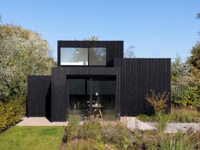 Les quatre cubes donnent un aspect moderne et unique à la maison
