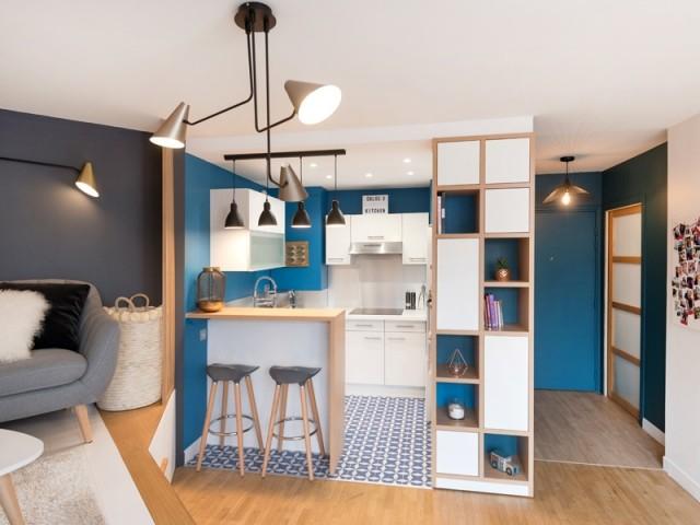 Une cuisine entièrement équipée avec bar - Une cuisine relookée avec style