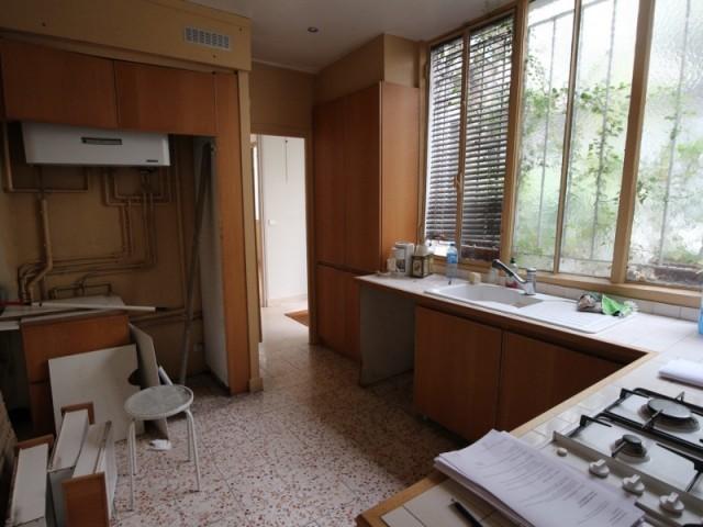 La cuisine séparée, avant les travaux
