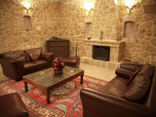 Insolite : un ancien caveau aménagé en luxueux souplex