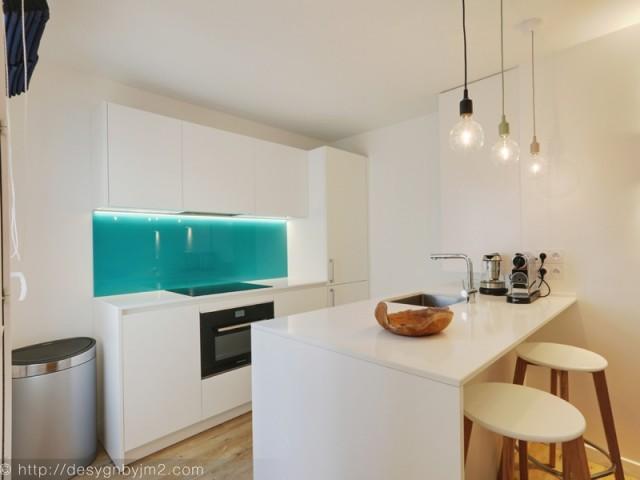 Après : une cuisine modernisée entièrement équipée