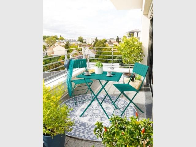 Vert turquoise pour un balcon moderne et coloré